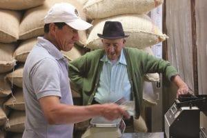Le miniere stanno distruggendo il paese. La filiera del caffè bio serve (anche) a resistere
